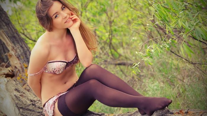 молоденькие голые девушки фото крупно