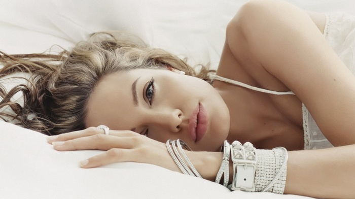 juicy lips, closeup, in bed, girl, bangles, blue eyes, rings, actress, blonde, Angelina Jolie, face, lying on side