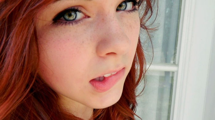 зеленые глаза, веснушки, рыжие, девушка, лицо