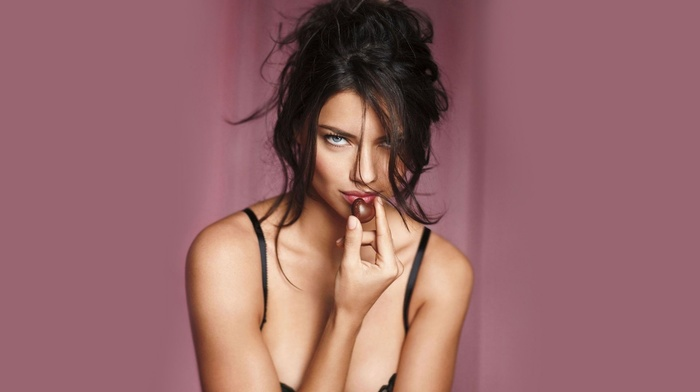 eyes, girls, beauty, Adriana Lima, lips, chocolate, sexy, sight, face, background, figure