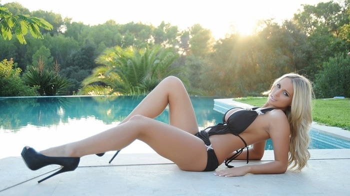 Sun, sight, trees, sexy, swimming pool, blonde, palm trees, background, lying down, girls, posing