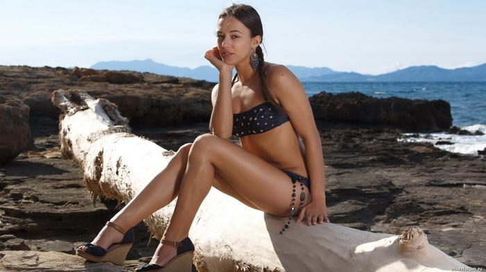 girl, beach, girls, shapely