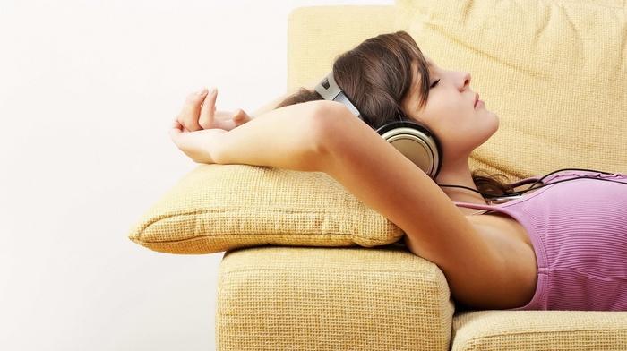 brunette, girl, in bed, headphones