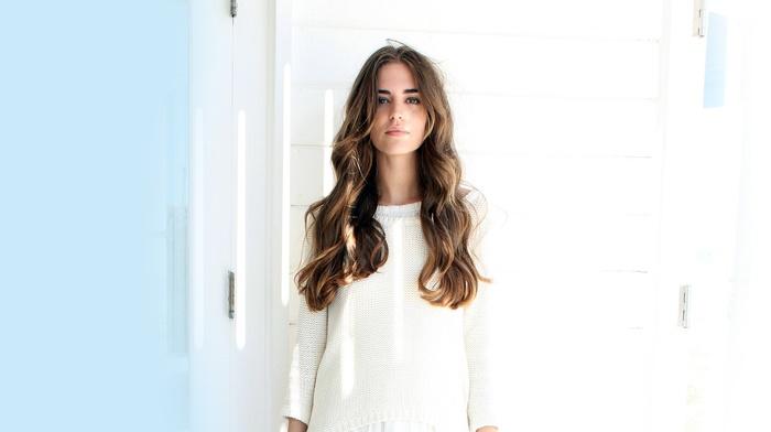 brunette, Clara Alonso, wavy hair