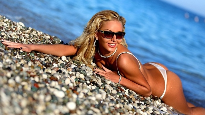 beach, girls, blonde, shapely, sea