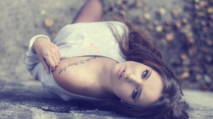 модель, tattoo, тату, лежит, татуировка, взгялд, плечо, фото, девушки, девушка, брюнетка
