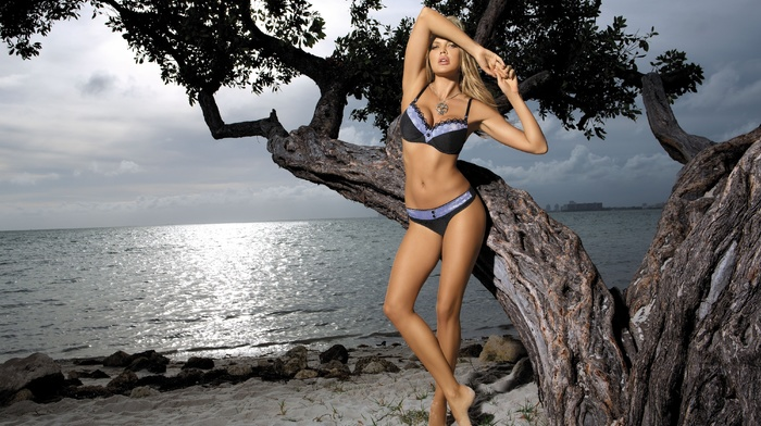 blonde, sea, posing, tree, statuette, girls, stones, sexy, nature, beach