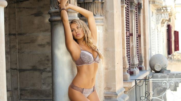 sight, sexy, statuette, city, fashion model, blonde, posing, girls, house, linen