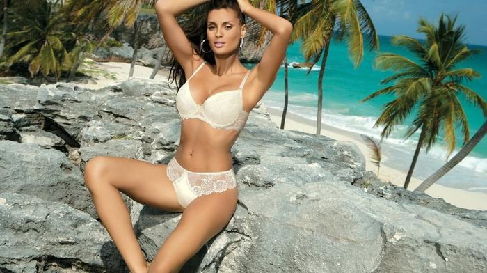 beach, brunette, girls, nature, stones, sexy, rocks, tropics, statuette, posing, linen, beautiful, resort, palm trees