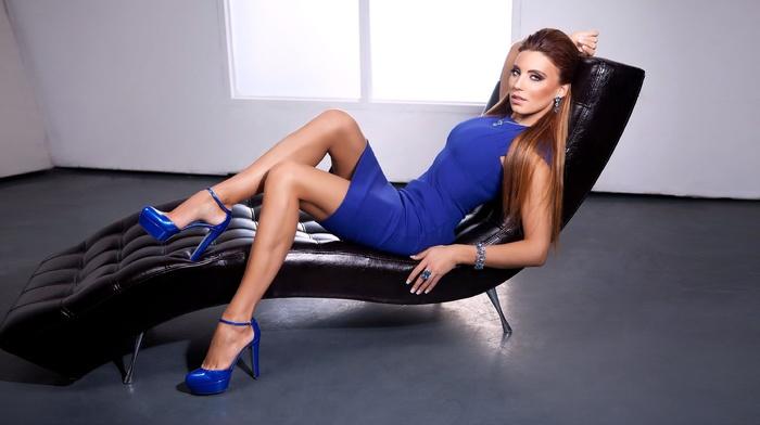длинные волосы, синий, каблуки, высокие каблуки