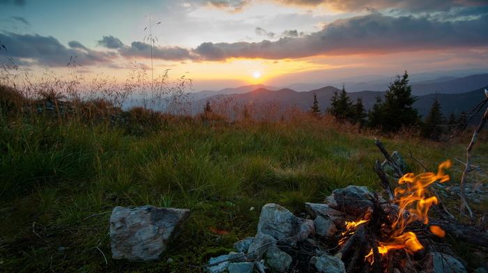 трава, Украина, костер, вечер, горы, природа, закат, карпаты