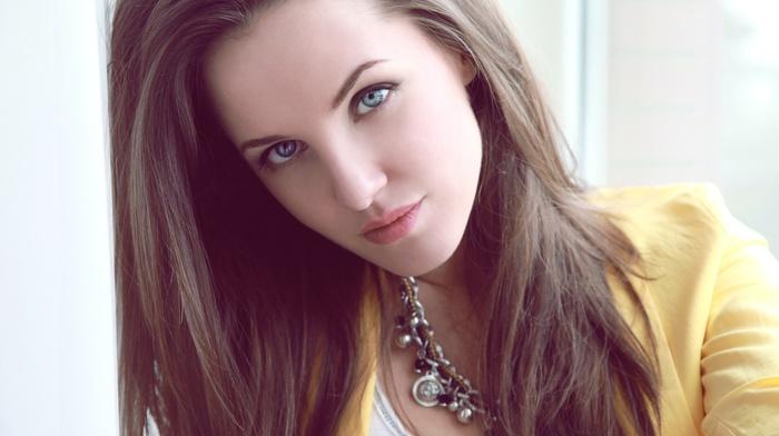 голубые глаза, девушка