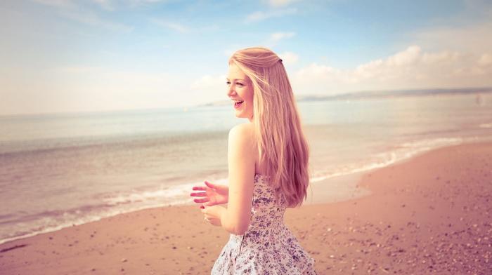 длинные волосы, платье, блондинка, пляж