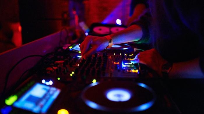 mixing consoles, turntables, DJ