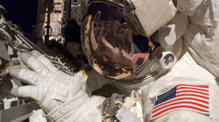spaceman, Earth, orbits, reflection, space, american flag, NASA, space suit, helmet, universe, space station