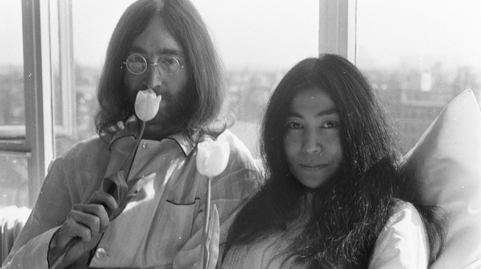 flowers, girl, men, monochrome, long hair, in bed, protestors, Amsterdam, hotels, musicians, legend, couple, glasses, window, peace, room, singer, John Lennon, Yoko Ono, tulips, Artist