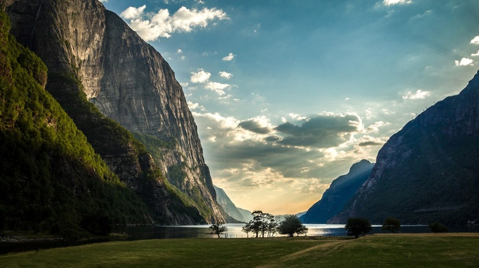 field, nature, trees, landscape, forest, hill, water, lake, clouds, mountain, grass, sun rays