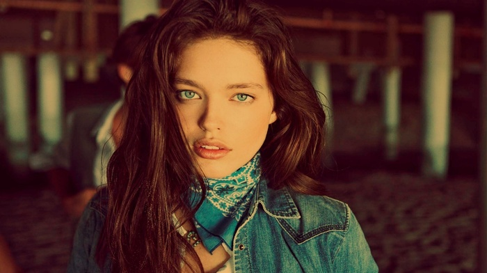 face, looking at viewer, brunette, filter, blue eyes, juicy lips, long hair, Emily DiDonato, girl