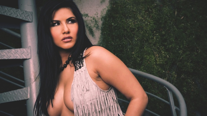 cleavage, girl, brunette, boobs, pornstar, long hair, Sunny Leone