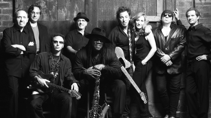 group of people, musicians, girl, rock stars, saxaphone, guitar, Bruce Springsteen, men, monochrome, singer
