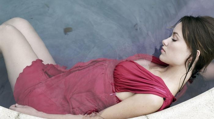 bath, water, wet hair, Olivia Wilde, model, wet clothing, long hair, brunette, girl, red dress, wet, closed eyes