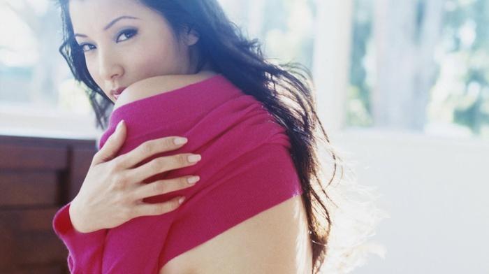 chinese, American, Kelly Hu, actress, martial arts, almond eyes, Asian, eyeliner, petite, black hair, chinese, strategic covering
