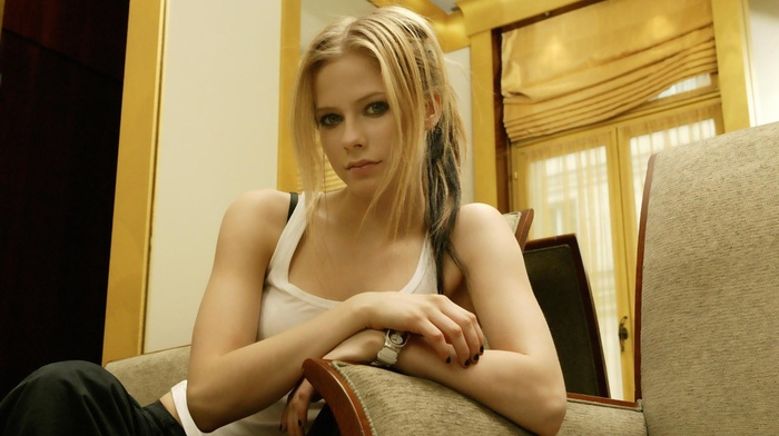ponytail, girl, black nails, tank top, blue eyes, painted nails, Avril Lavigne
