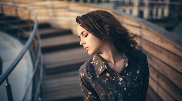 girl outdoors, model, earrings, brunette, girl, closed eyes, depth of field, portrait, face