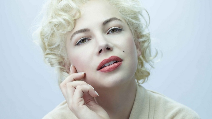 hand on face, short hair, curly hair, Michelle Williams, blonde, green eyes, face, actress, girl