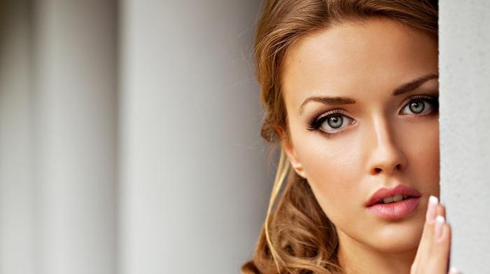 gray eyes, face, closeup