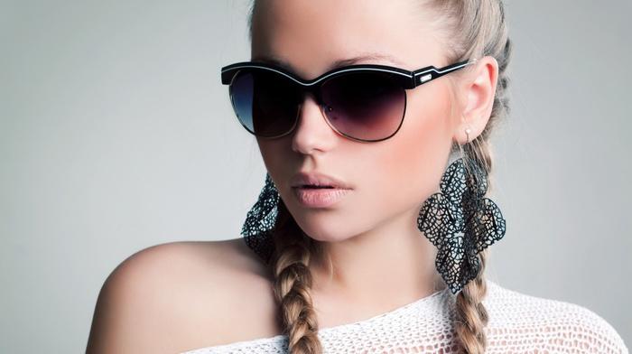juicy lips, face, earrings, sunglasses, plait, blonde, closeup, open mouth