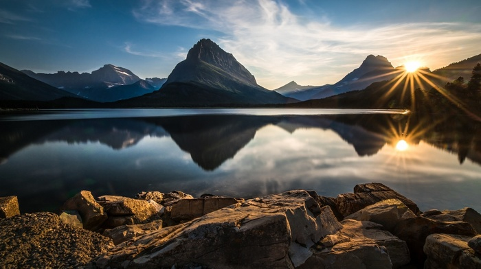 sun rays, Glacier National Park, calm, landscape, nature, lake, rock, mountain, water, national park, stones, reflection, sunset, clouds, valley