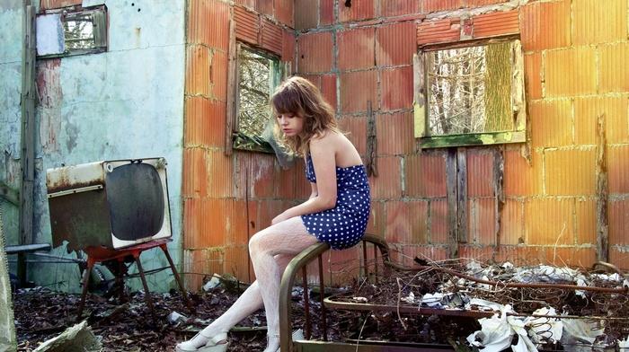 ruin, girl outdoors