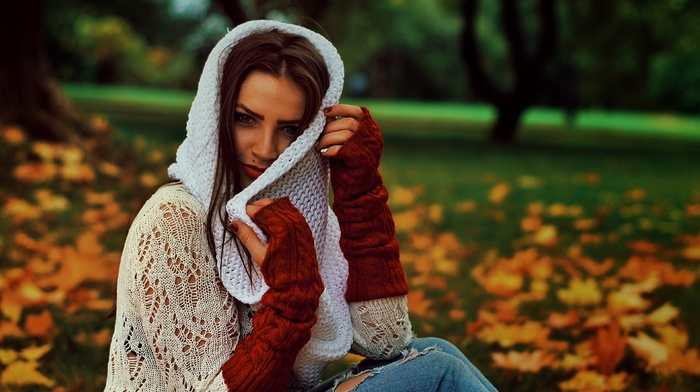 field, brunette, depth of field, see, through clothing, torn jeans, trees, grass, long hair, park, girl outdoors, girl, sweater, gloves, model, fall, leaves, nature, looking at viewer