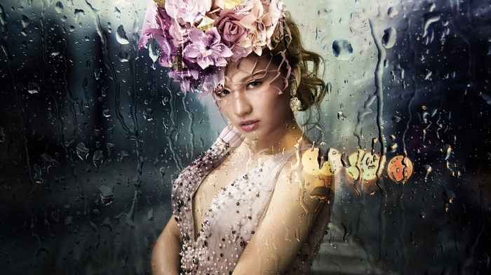 blonde, rain, looking at viewer, glass, long hair, bare shoulders, water drops, girl, model, blurred, street, hat, bokeh, open mouth, girl outdoors, flower in hair, face, dress