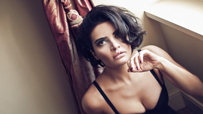 Turkish, cleavage, short hair, girl, hair in face, brunette, lingerie, brown eyes, face, Gksel, smoky eyes, painted nails