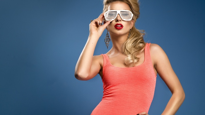 shirt, red lipstick, model, blonde, glasses