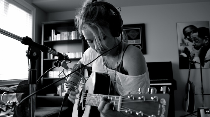 guitar, Emily Osment, monochrome