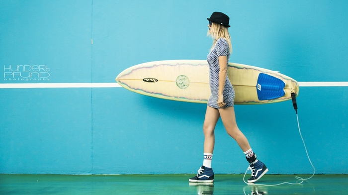 walls, hat, Hundertpfund, girl, girl with glasses, surfing, blonde, dress, model, sneakers