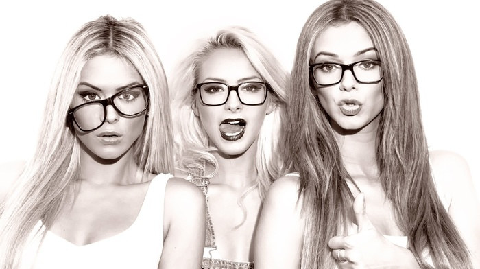 thumbs, face, tank top, Denise Retegan, blonde, bare shoulders, long hair, makeup, model, glasses, Daniela Retegan, girl, girl with glasses, Diana Retegan, monochrome, sisters, looking at viewer, tongues, open mouth, white background