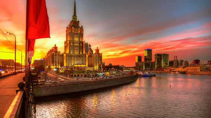 cityscape, Russia, river, skyscraper, boat, building, HDR, sunset, street light, road, car, lights, architecture, Christmas tree, hotels, Moscow, flag, clouds, water, evening, city