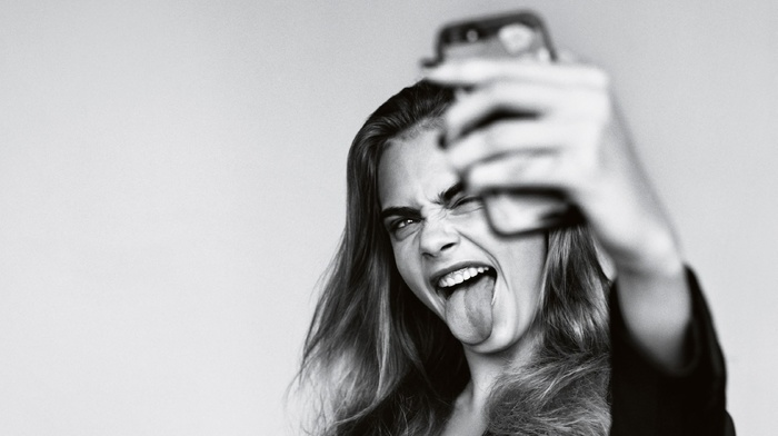girl, selfies, model, Cara Delevingne, monochrome, simple background