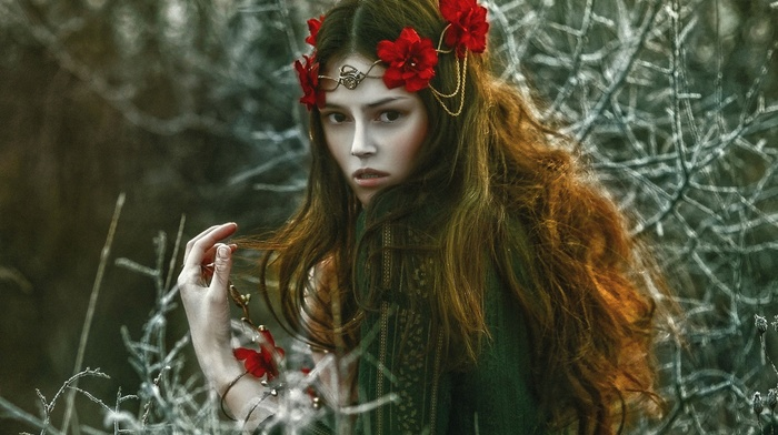 twigs, wreaths, girl, A. M. Lorek, girl outdoors, model