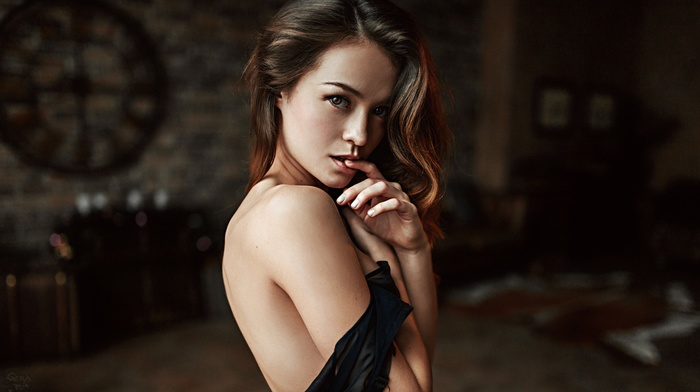 HDR, no bra, bare shoulders, Georgy Chernyadyev, brunette, brown eyes, strategic covering, finger in mouth, side view, depth of field, girl, portrait
