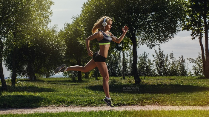sneakers, girl outdoors, ass, blonde, girl, fitness model, gym clothes, model, sports, sport, trees, headphones, running, brunette