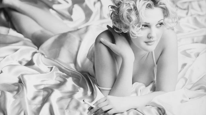 actress, blonde, cigarettes, celebrity, monochrome, Caucasian, smoking, bed, Drew Barrymore