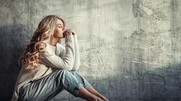 blonde, jeans, sitting, closed eyes, sweater, girl, barefoot, Liliya Nazarova