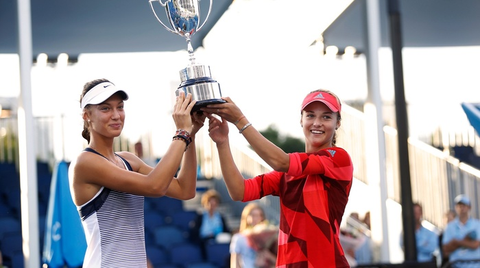 tennis, standing, girl, Tereza Mihalikova, Anna Kalinskaya, cup, smiling, couple