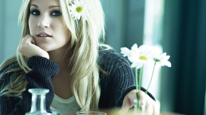girl, flowers, singer, celebrity, sweater, blonde, Carrie Underwood