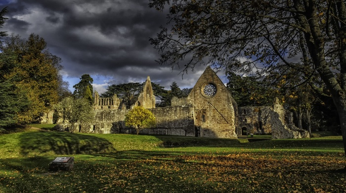 town, clouds, shadow, fall, HDR, old building, UK, history, old, field, trees, ruins, leaves, grass, church, architecture, stone house, house, Scotland